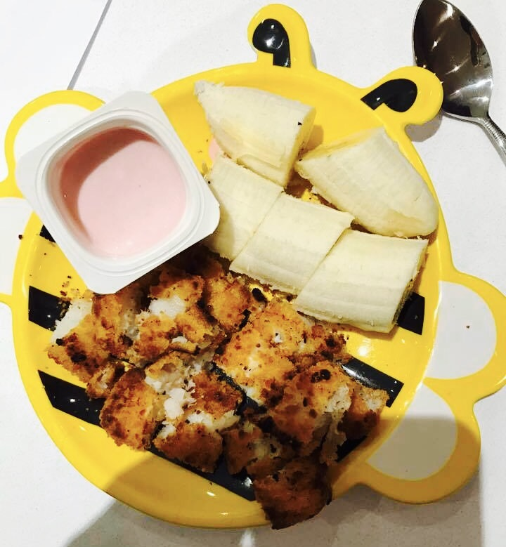 EATINGS (NOT) CHEATING #toddlerfood #food #yellowfood